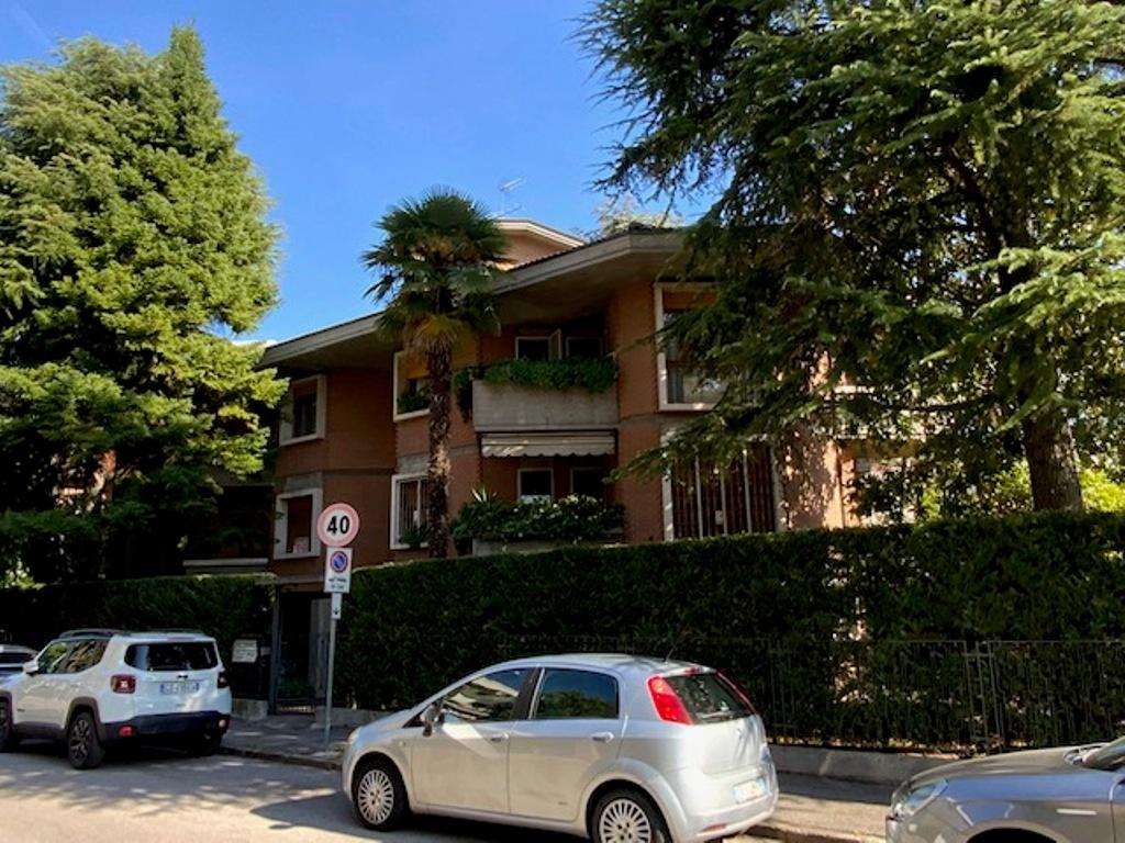 SANTA RITA: appartamento grande in elegante quadrifamiliare